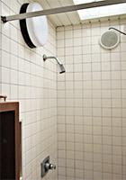 温水シャワー(有料)