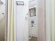 西トイレ・シャワー棟
